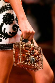 Dolce & Gabbana Spring 2015 Ready-to-Wear - Details - Gallery - Look 38 - Style.com