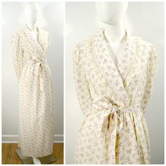 Vintage Floral Robe, Lilac Calico Print Light Weight Long Bath Robe, Wrap Front Gilligan OMalley Cotton Dressing Gown Summer Weight Robe  The perfect summer weight bath robe! Its always nice to have something to cover up with while getting ready, and this light weight cotton blend calico robe is perfect! It features...  -Wrap front -Full length -Long sleeves -Calico print cotton blend fabric in a creamy white with lilac purple flowers -Cream lace trim on collar and cuffs -Quilted collar -Two…