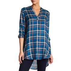 dee elle Mavis Plaid Tunic ($30) ❤ liked on Polyvore featuring tops, tunics, peacock, peacock top, peacock tunic, side slit tunic, tartan top and v neck tunic