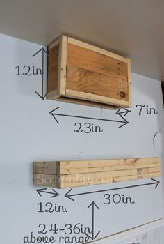 Building a Frame for the Rustic Pallet Kitchen Hood – Top Trend – Decor – Life Style Kitchen Hood Design, Kitchen Vent Hood, Kitchen Redo, Kitchen Remodel, Kitchen Ideas, Kitchen Stuff, Reclaimed Wood Kitchen, Kitchen Rustic, Build A Frame