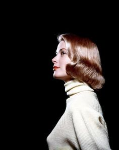 Grace Patricia Kelly – was an American actress who became Princess of Monaco after marrying Prince Rainier III, in April . Golden Age Of Hollywood, Hollywood Glamour, Classic Hollywood, Old Hollywood, Monaco As, Grace Kelly Mode, Grace Kelly Style, Elizabeth Taylor, 1950s Fashion