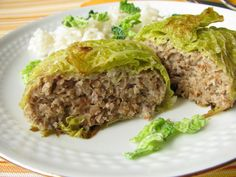 A traditional French recipe for using up leftover beef from a pot-au-feu, stew or roast, Pascal Aussignac's chou farci, or stuffed cabbage recipe, can be adapted to use any leftover meat. Healthy Breakfast Potatoes, Sausage Meat Recipes, Traditional French Recipes, Great British Chefs, Canadian Food, Canadian Recipes, Cooking Recipes, Healthy Recipes, Cabbage Recipes