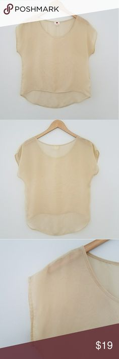 "One Clothing oversized sheer nude top medium One Clothing oversized sheer nude top. Cap sleeves. Scoop neck high low top. Measurements are approx 42"" bust, 20.5"" length in front, 24.5"" length in back. Excellent used condition. one clothing Tops Tees - Short Sleeve"