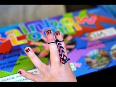 ▶ How to make a rainbow loom fishtail bracelet with no loom (just use your fingers) - YouTube Rainbow Loom, Bandaloom, new pattern, rubber band bracelet, tutorial , how to, christmas, valentines, kids crafts