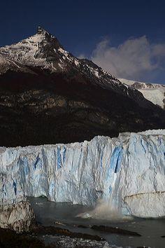 Morino Glacier, Patagonia, Argentina.