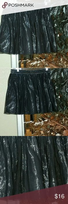 Decree Tulle Metallic Skirt In excellent condition. The under layer is silver. Decree Skirts Circle & Skater
