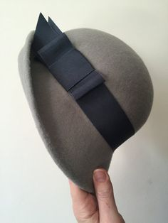 Grey Wool Felt Cloche With Dark Grey Petersham Band and Bow, Winter Cloche Hat Colour Shade Card, Pillbox Hat, Church Hats, Hat Boxes, Cloche Hats, Vintage Hats, Hat Making, Fascinators, Headgear