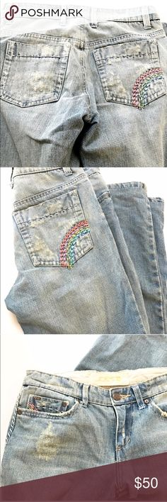 """Joe's Jeans with rainbow stitched pockets 🌈Joe's Jeans light blue denim with rainbow stitched pockets! Hendrix 1971 Rocker series with flare legs. 😍 Label says size 27 but fits like a size 26. Rise is 8"""" and hip to hip is 15"""" inches. I'm a true 27 and was so sad these didn't fit since I was willing to pay and have them hemmed since I'm 5'2. That said with an inseam of 31 these are ideal for someone who is on the tall side of average. These vintage and limited production jeans are marked…"""