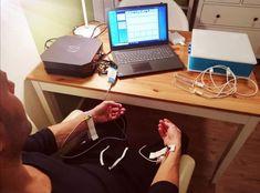 Du möchtest mehr erfahren über den Zustand deines Körpers? Dann ist die HRV Messung genau das Richtige für dich! Desk, Technology, Desktop, Table Desk, Office Desk, Desk Office, Writing Bureau