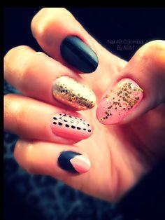 Dorado, rosa y negro mate Nail Art, Nails, Beauty, Pink, Matte Black, Fingernail Designs, Colombia, Finger Nails, Beleza
