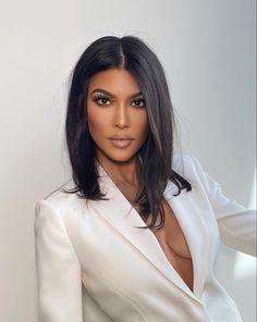 Beauty Makeup, Hair Makeup, Hair Beauty, Short Hair Styles, Natural Hair Styles, Girls Makeup, Kourtney Kardashian, Brunette Hair, Mode Outfits