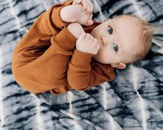 Baby clothes should be selected according to what? How to wash baby clothes? What should be considered when choosing baby clothes in shopping? Baby clothes should be selected according to … So Cute Baby, Cute Kids, Cute Babies, Boy Babies, Baby Girls, Cute Toddlers, The Babys, Winter Baby Clothes, Cute Baby Pictures
