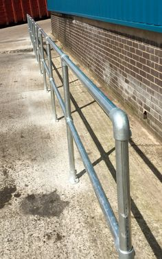 Handrail Outdoor Railings, Pipe Railing, Pub Decor, Home Decor, Pvc Pipes, Outdoor Projects, Bar Stools, Fence, Outdoor Living