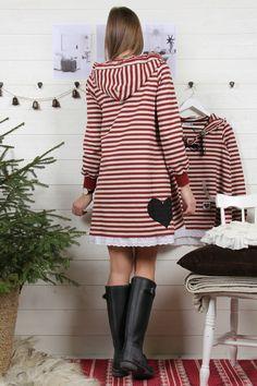 HOODED ÄLSKLINGSKLÄNNING X-MAS EDITION 2015 - Bloomingshop.se Hoods, Dresses With Sleeves, My Style, Long Sleeve, Fashion, Moda, Cowls, Sleeve Dresses, Long Dress Patterns