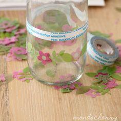 doppio adesivo e fiori di plastica per decorare barattoli vetro