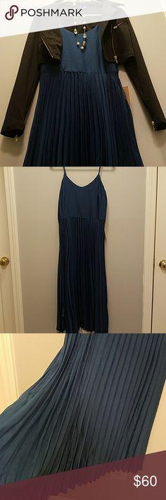Rachel Roy Dress NWT Deep teal- Adjustable Spaghetti Strap- light weight- pleated skirt with solid top-Glossy look- Super Cute!! RACHEL Rachel Roy Dresses Midi