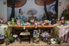 Mesa da festa Alice no País das Maravilhas - Foto: João Soppa Fotografia