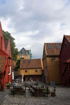 Where to Shop and Eat in Bryggen (Bergen, Norway)