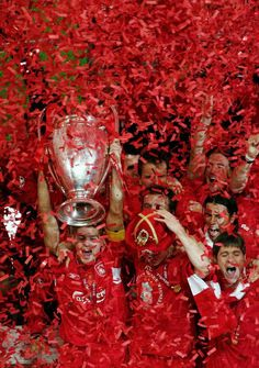 Steven Gerrard lifts the 2005 European Cup in Istanbul. Best. Day. Ever.