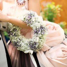 ♡8.11(THU)♡ 何気に初の#weddingtbt に参加 レポは時系列で進めたいけどなかなか進まない←のでtbtでお気に入りpostします . お色直しのブーケは#リースブーケ にしました かすみ草とスターチス、白のグログランリボンでシンプルだけどとてもお気に入り . #プレ花嫁 #プレ花嫁卒業 #卒花 #結婚式 #福岡結婚式 #福岡花嫁 #2016春婚 #お色直し #ロゼット #カメラマンデータ #アーカンジェル迎賓館福岡 #アーカンジェル迎賓館 ←こちらも初タグ