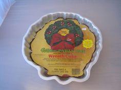 Wilton Holly Wreath Cake Party Pan 1980