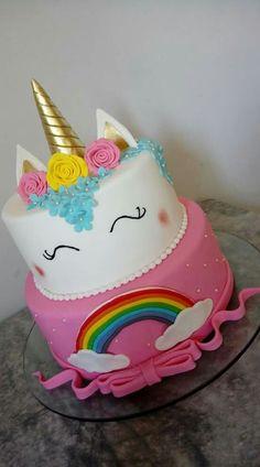 Unicornio meus 15 Pig Birthday Cakes, 2nd Birthday Party Themes, Birthday Love, Unicorn Birthday Parties, Birthday Party Decorations, Party Treats, Party Cakes, Bolo Fake Eva, Celebration Cakes