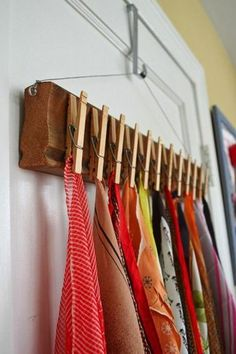 Home diy - The Best DIY Inspiration That Will Keep Your Room Organized And Chic Effortless ways to incorporate shabby chic organization hacks with floating shelves, folding shelves and furniture you can do your Best Closet Organization, Organization Hacks, Closet Hacks, Organizing Ideas, Diy Rangement, Clothes Pegs, Hanging Clothes, Creation Deco, Diy Scarf