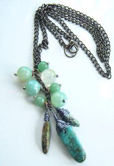 Collier les perles d'agate chartreuse et bâtonnets de par Adrimag