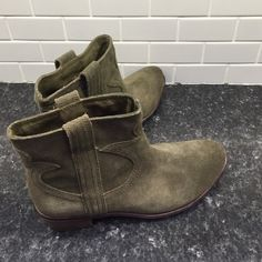 """New Lucky Brand LK Terras ❤️ New with tags- cute and comfortable! Olive colored leather with 1.5"""" stacked heel. Z#0407 Lucky Brand Shoes Ankle Boots & Booties"""