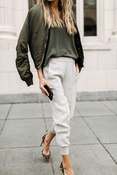 130 Inspiring Simple Casual Street Style Outfit that Must You Copy - Fashion Best Looks Street Style, Casual Street Style, Looks Style, Casual Looks, Street Chic, Fashion Mode, Look Fashion, Autumn Fashion, Fashion Fashion