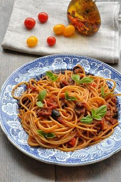 #spaghetti po maltańsku #thermomix Spaghetti, Food And Drink, Nutrition, Cooking, Ethnic Recipes, Diet, Thermomix, Kitchen, Noodle