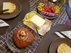 Tatárbifsztek 🥩 Beef Steak, Ketchup, Camembert Cheese, Tacos, Dairy, Ethnic Recipes, Food, Essen, Meals