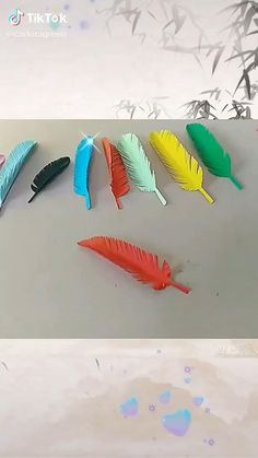Paper Folding Crafts, Paper Flowers Craft, Easy Paper Crafts, Paper Crafts Origami, Origami Art, Flower Crafts, Diy Flowers, Paper Feathers, Diy Crafts To Do
