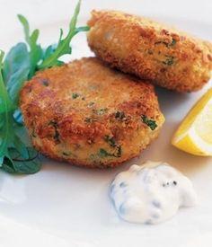 Croquetas de Atún - Ingredientes  3 latas (5 oz) de atún en agua, bien escurridas 2 cebollines picados finos 2 cdtas de mostaza Dijon 2 cdas de mayonesa Light 1 huevo, batidos 1 cdta de jugo de limón recién exprimido Sal y pimienta al gusto 1/3 taza de pan molido o panko Aceite en aerosol