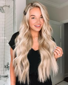 Hair Extensions - Ideas In Hair Care: How To Get Yours Beautiful! Blonde Hair Looks, Long Blond Hair, Super Blonde Hair, Perfect Blonde Hair, Curly Hair, Blonde Hair Extensions, Pretty Hairstyles, Wedding Hairstyles, Long Blonde Hairstyles