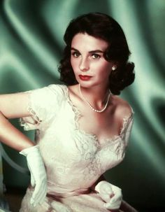 Jean SIMMONS est une actrice anglaise, née le 31 janvier 1929 à Cro...