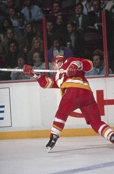 Al MacInnis Hockey Decor, Ice Hockey Teams, Calgary, Nhl, Life, Vintage, Primitive