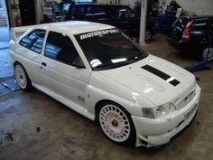 Gokart Plans 718535315521068689 - Ford escort awd Source by gonzaleschristophe Ford Rs, Car Ford, Ford Classic Cars, Ford Escort, Sweet Cars, Top Cars, Ford Motor Company, Rally Car, Car Humor