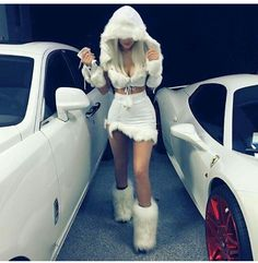 Celebrity Halloween Costumes of 2015 Kylie Jenner as a snow princess. - Kylie Jenner as a snow princess. Halloween Outfits, Eskimo Halloween Costume, Best Celebrity Halloween Costumes, Hot Halloween Costumes, Halloween 2015, Baby Halloween, Halloween Makeup, Awesome Costumes, Women Halloween