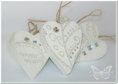 Christmas hearts  http://underacreativespell.blogspot.com/2011/12/whats-on-your-workdesk-white-wednesday.html