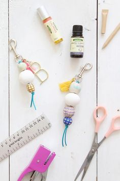 Make essential oil diffusing keychains for back to school!