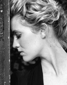 Evelyn Brochu. How does one achieve this level of gorgeousness?