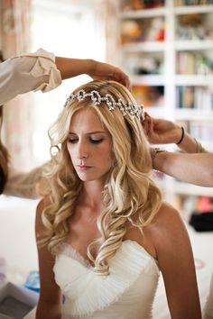 gorgeous hair garland + curls | Honey Heart Photography #wedding