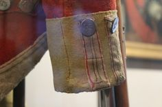of Foot - cuff detail British Uniforms, 18th Century Clothing, War Of 1812, Army Uniform, Napoleonic Wars, Historical Costume, British Army, American Revolution, Four Square