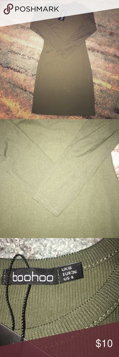 Boohoo dress Brand new! Long sleeved, navy green bodycon dress. Very pretty but is too small for me in the bust area. :( Boohoo Dresses Long Sleeve