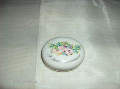 Avon Porcelain Oval Trinket Box A Sweet Remembrance Flowers Japan 1982