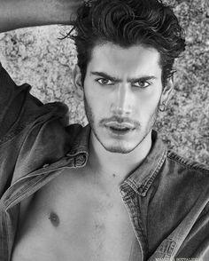 Model : Matteo Pagliarani Photo : Manuela Bottalico #menstyle #model #portrait #bw