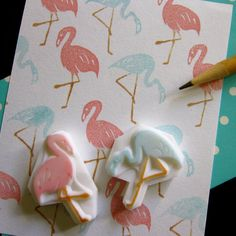 Pink Flamingo rubber stamps Set of 2 by ParadeMade on Etsy … Clay Stamps, Stamp Printing, Printing On Fabric, Stencil, Silkscreen, Eraser Stamp, Diy And Crafts, Paper Crafts, Stamp Carving