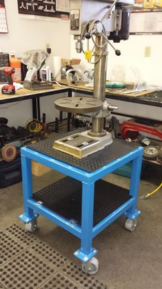 View topic - A few pics of my latest projects Welding Cart, Welding Shop, Diy Welding, Welding Tools, Welding Projects, Garage Tool Storage, Workshop Storage, Garage Tools, Garage Workshop