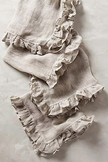 Napkins with ruffles